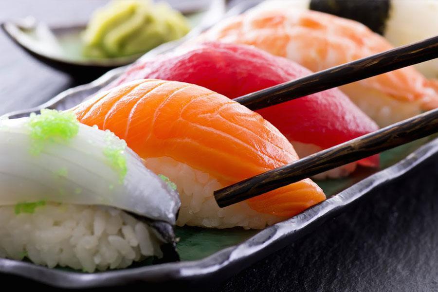 Chế biến các món ngon hấp dẫn nhất từ cá hồi để đãi tiệc công ty