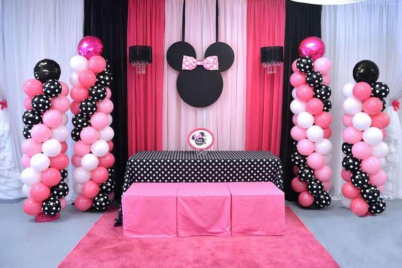 Thổi bừng không gian khitổ chức tiệc sinh nhật cho con bằng nét đáng yêu của chú chuột Mickey